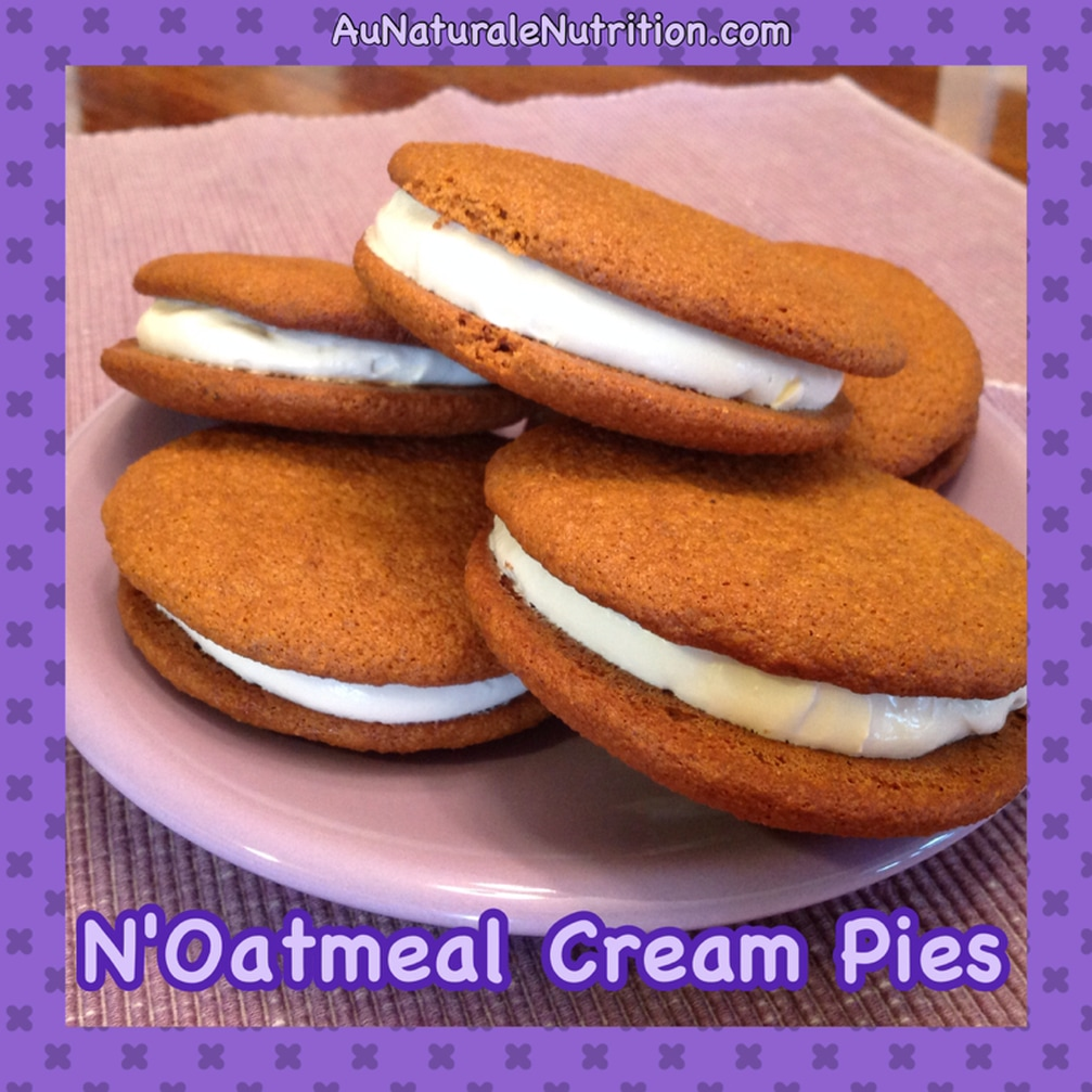 N'Oatmeal Cream Pies with Vanilla Buttercream.  (Paleo & gluten free!)  By www.aunaturalenutrition.com